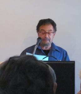 Michael Mandel, a Sin Fronteras editor